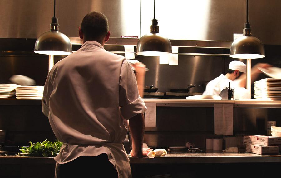 Como administrar um restaurante na prática: os 26 principais cuidados